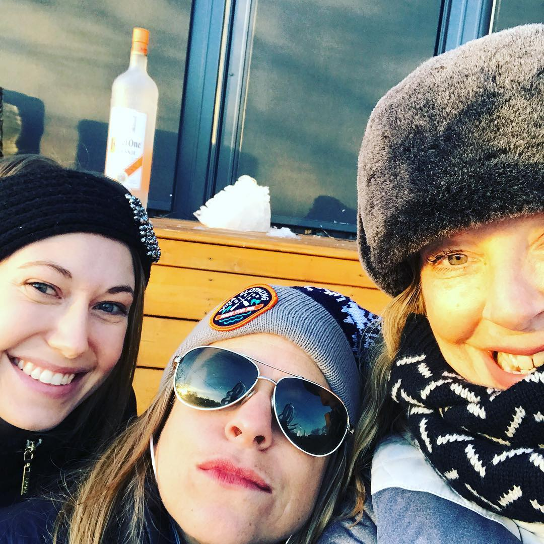 We are here waiting for you @thelexmn ice bar! Chili Fritos and #weeklydish producer @hopeleighanne and @stephaniemarch and me! Come join us! #stephaniesdish #weeklydish #stephaniemarch #thelex #thelexington #cocktails Happy first Birthday to my lady the Lex