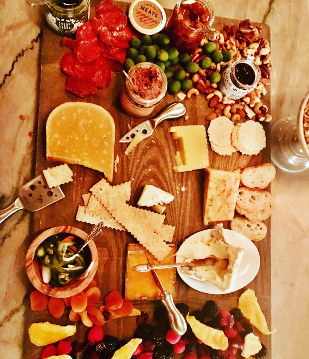 This is my friend Heathers amazing cheese board. This is not a restaurant but at her house! I love hanging with friends that entertain like Martha Stewart #weeklydish #stephaniesdish #cheese #cheeseboards #cheeseboardgoals #friendshipgoals