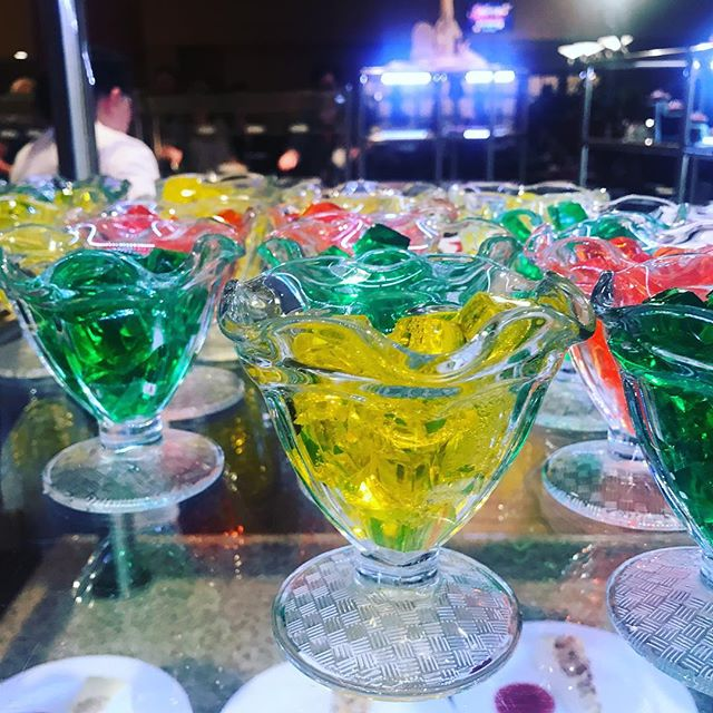 When was the last time you have seen hello jewels on a buffet? @mysticlakecasino . . . #mysticlakecasino #mysticlake #projectdownanddirty #mytalk1071