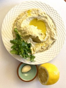 Easy Homemade Chickpea Hummus